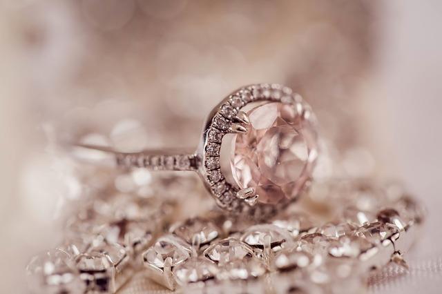 biżuteria ze stali chirurgicznej