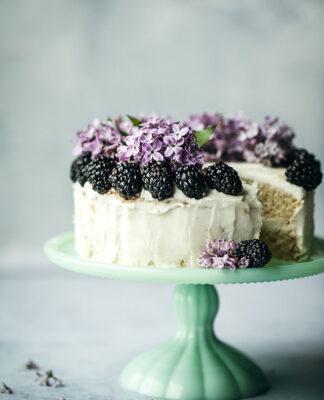 Urodziny dziecka zaczynają się od tortu